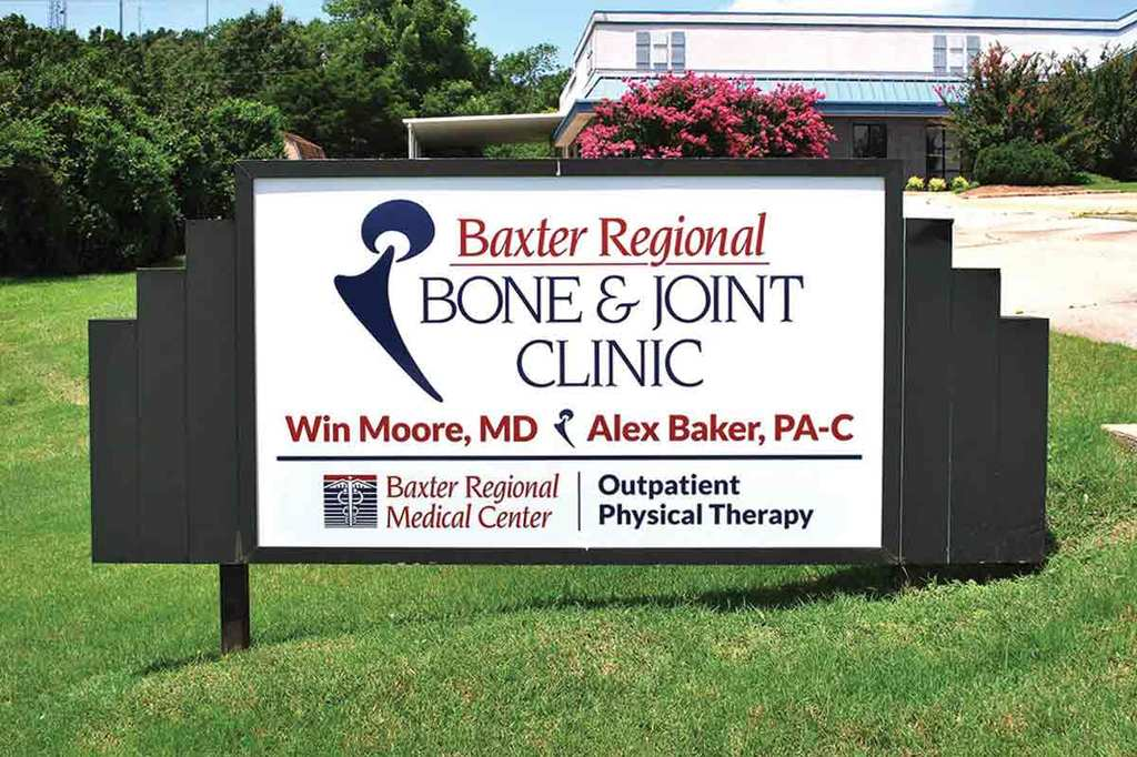 Baxter Regional Bone & Joint Clinic - Exterior Sign